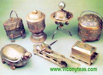 Ancient utensils used to cook tea